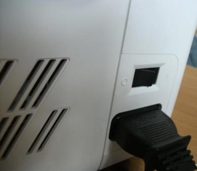 Подключение разъёма педали к швейной машине ASTRALUX