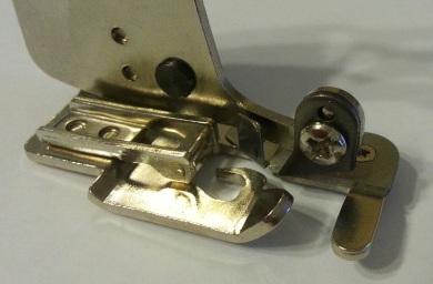 Оверлочная лапка для швейной машины, с обрезкой края